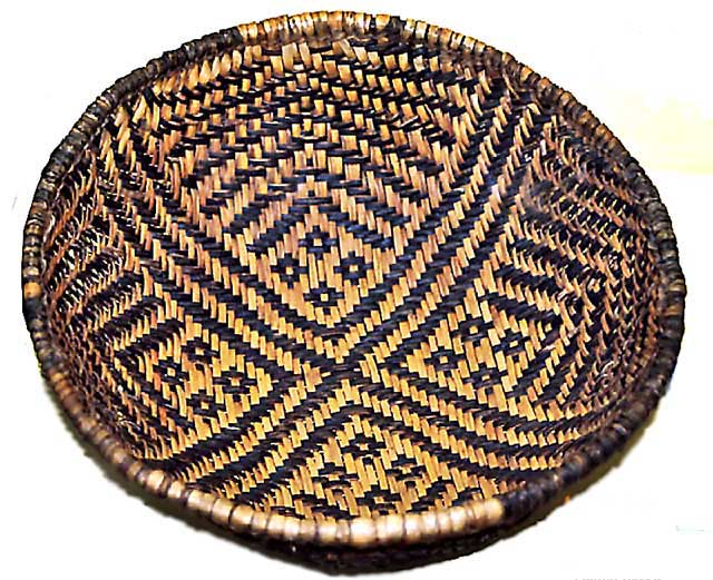 Basket_of_Basketmaker_Pueblo_people